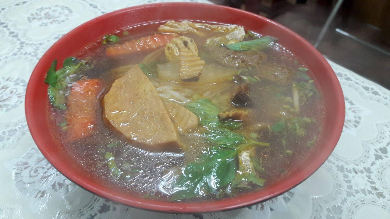 越南素食招牌紅燒麵